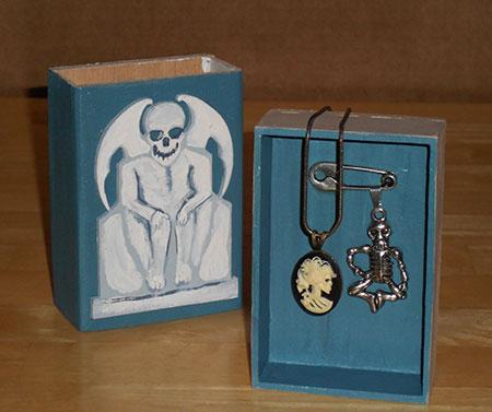 Gargoyle Protected gift box