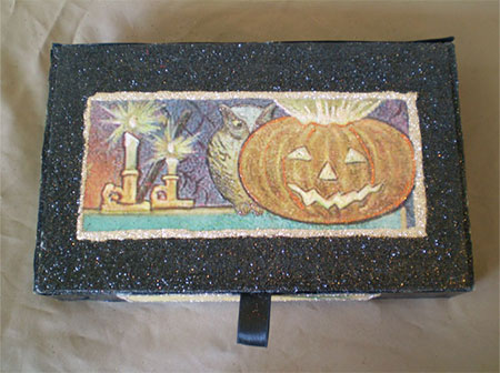 Jolly Halloween decorative box