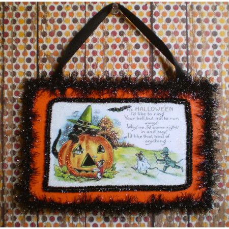 It's Halloween wall hanger